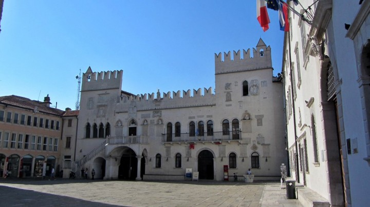 Central square Titov Trg with The Praetorian Palace, Koper, Most beautiful places in Slovenia