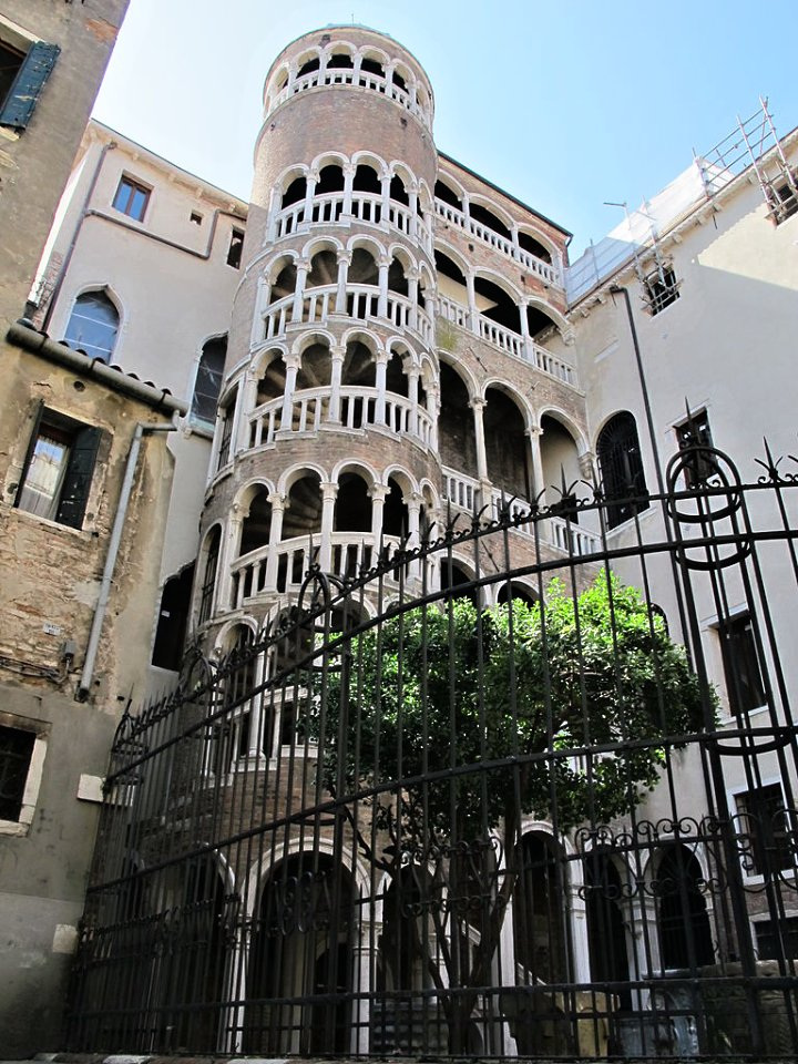 Scala Contarini del Bovolo, Things to do in Venice, Italy