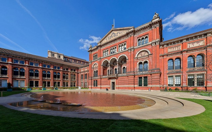 Victoria and Albert Museum, Things to do in London, England, UK
