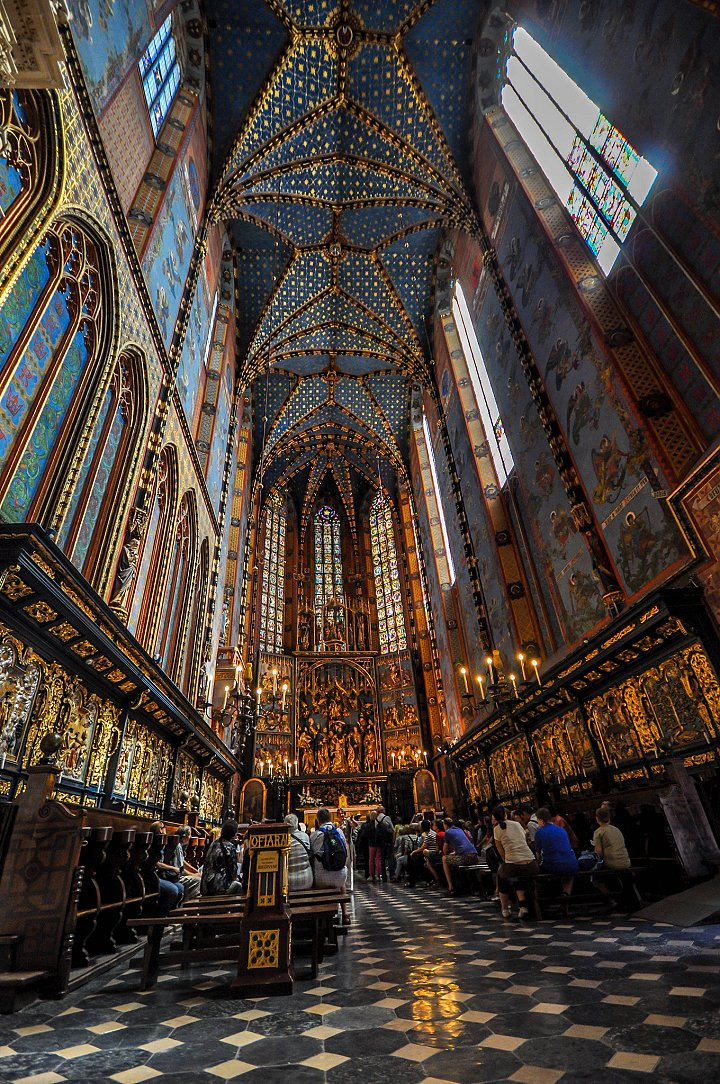 St. Mary's Basilica interior, Things to do in Krakow, Poland
