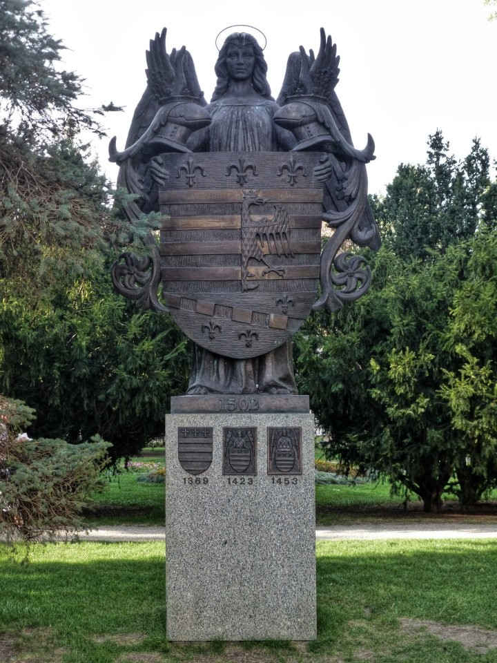 Coat of Arms Statue on Main Street, Things to do in Košice, Slovakia