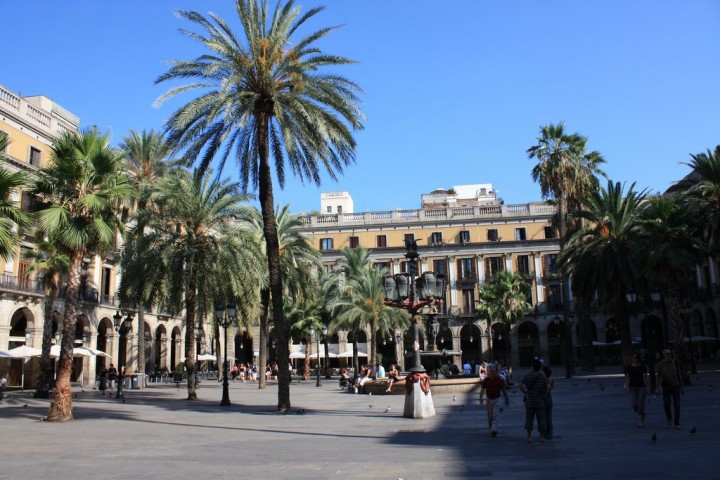 Plaça Reial, Things to do in Barcelona, Spain