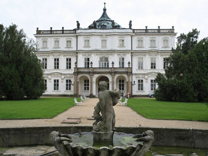 Ploskovice Chateau, Châteaux and Castles in the Czech Republic