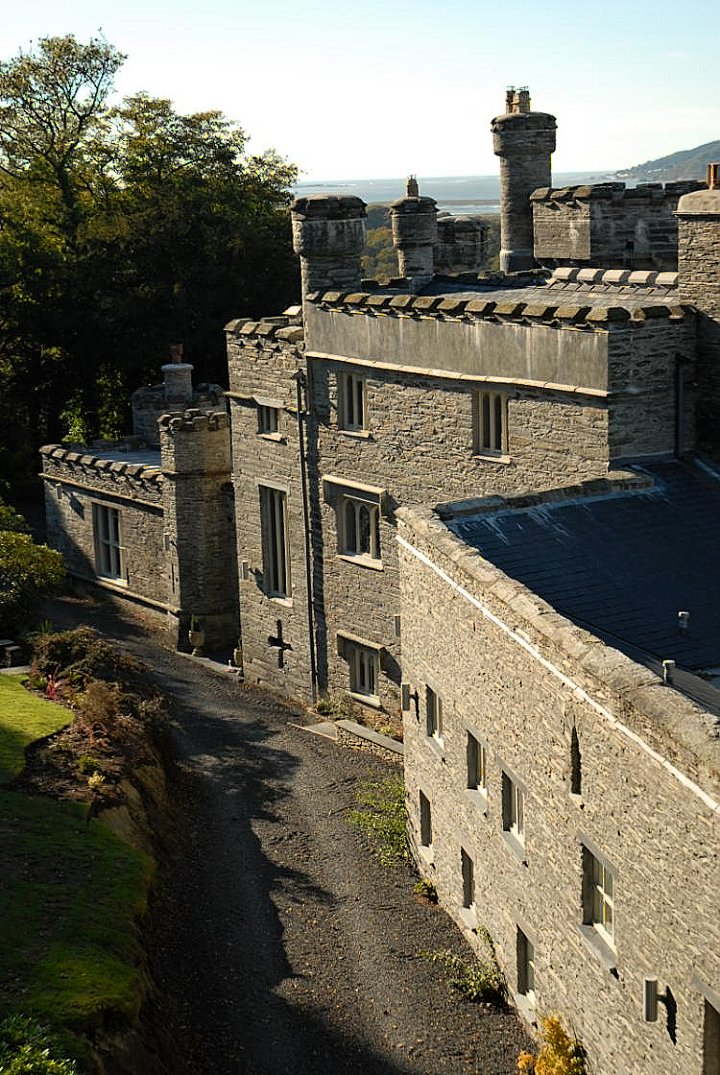 Glandyfi Castle, Castles in Wales