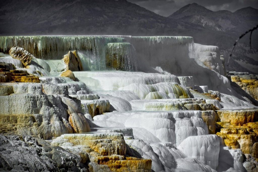 Mammoth Hot Springs Terraces, Yellowstone National Park, USA