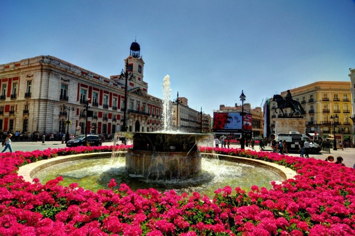 15 best things to do in madrid for Puerta del sol madrid spain