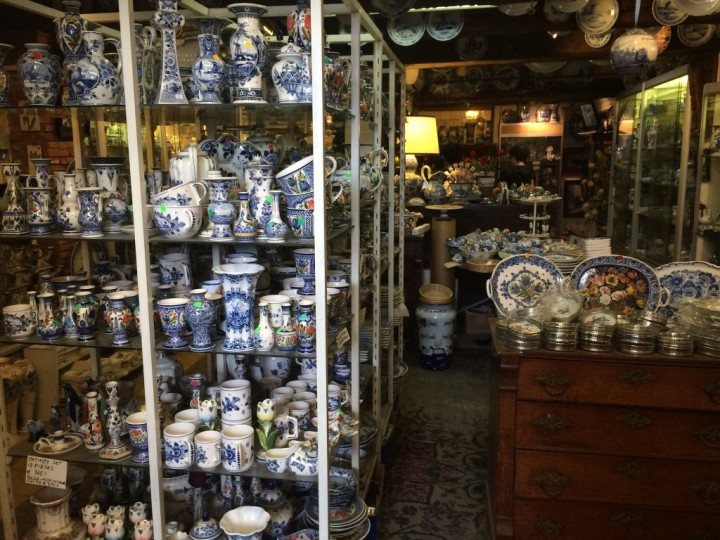 Delftware porcelain shop, Unique tours in Amsterdam