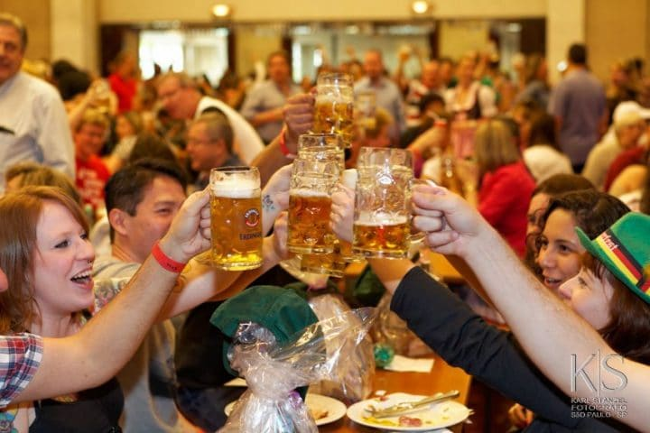 Oktoberfest, Traveling to Germany