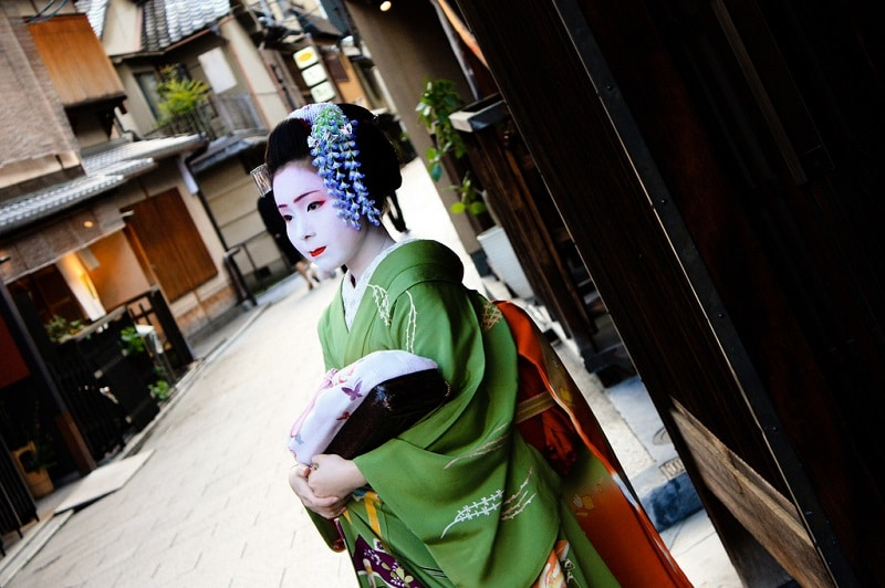 Gion, best area to stay in Kyoto