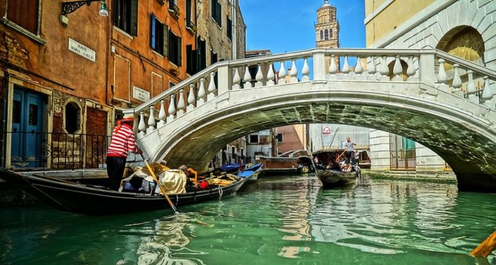 Transfer from Marco Polo Airport to Venice