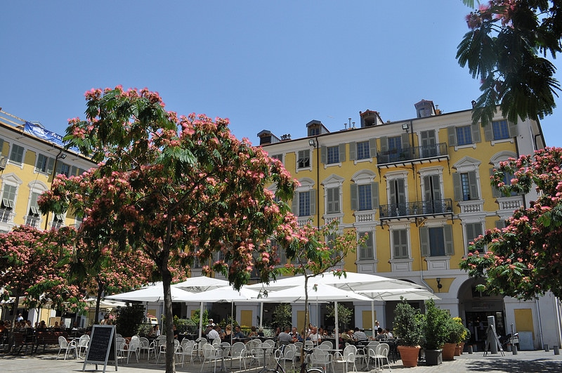 Garibaldi, best area to stay in Nice