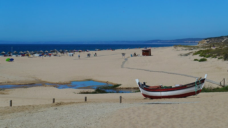 Lisbon beaches : Meco