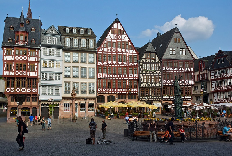 Old town, best area to stay in Frankfurt