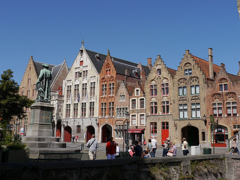 Jan van Eyckplein, best area to stay in Bruges