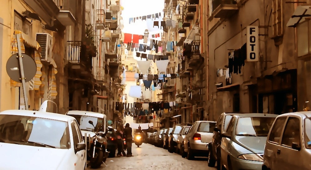 Cheap parking in Naples