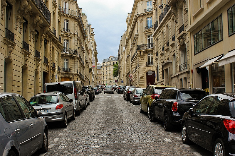 How to park in the street in Paris ?
