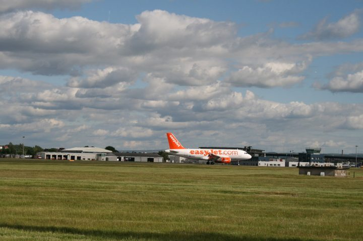 Finding cheap parking at Glasgow Airport