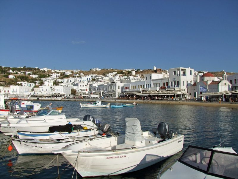 Stay in the Old Port of Mykonos