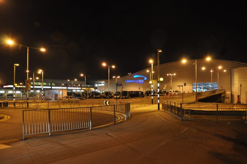 Find a parking lot at Luton Airport