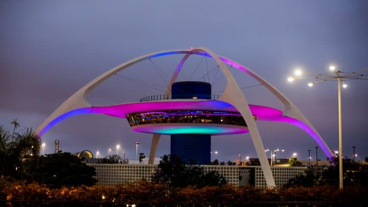 Finding cheap parking at Los Angeles Airport