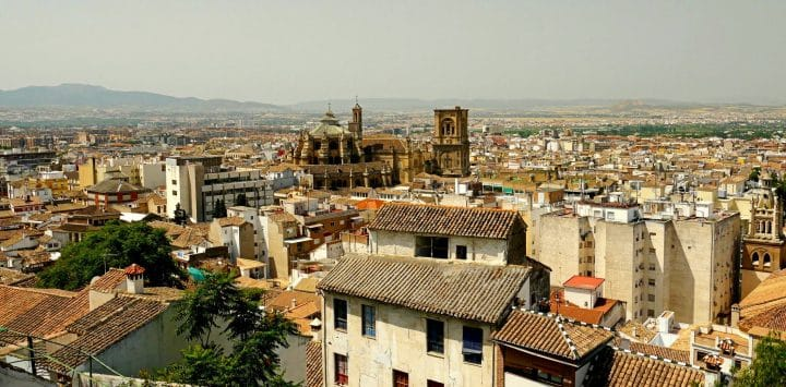 Cheap parking in Granada: where to park in Granada?