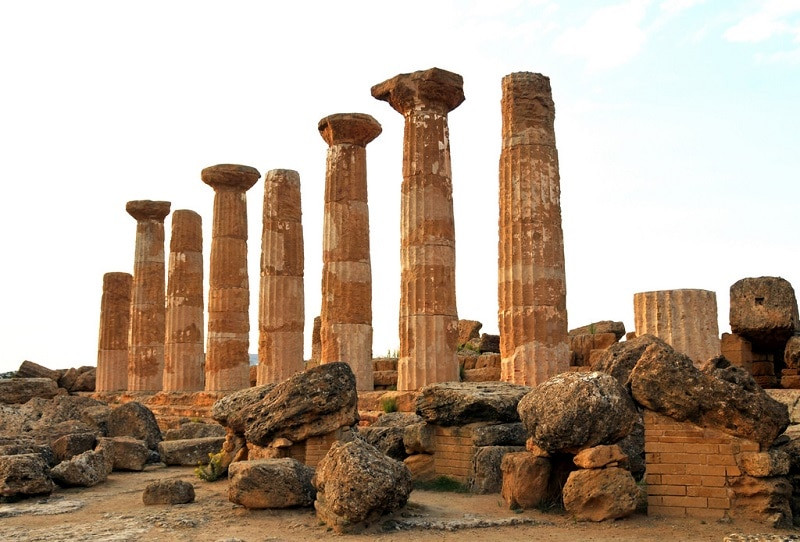 Visit the Valley of Temples, Agrigento, Sicily