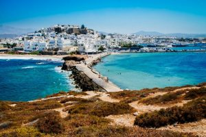 How to get from Athens to Naxos by ferry